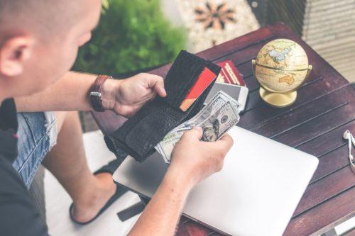 Image principale de l'article Comment rembourser ses dettes? Mes solutions afin de réussir.
