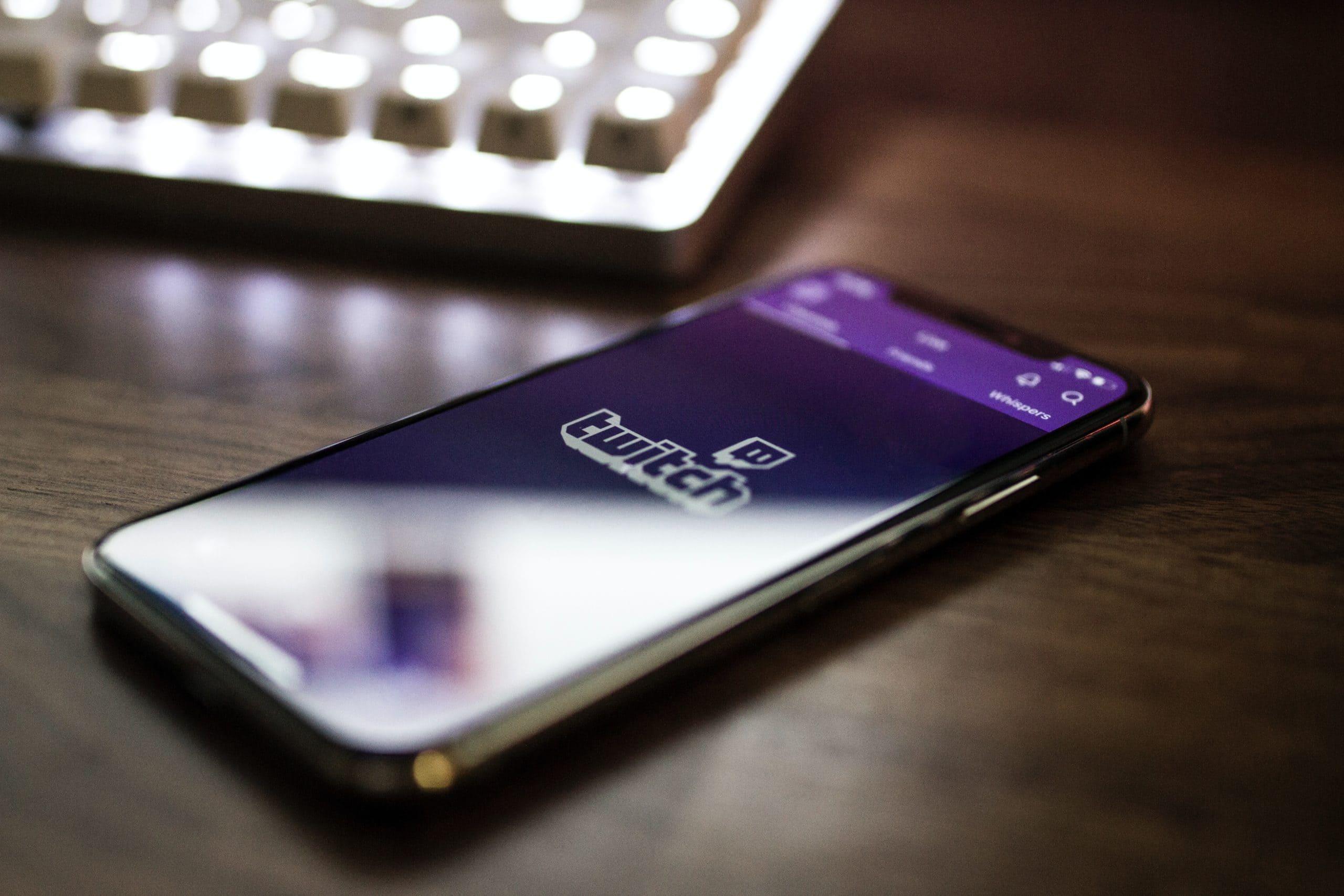 Image principale de l'article Comment gagner de l'argent sur Twitch? Mes conseils et astuces.